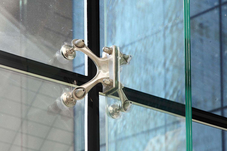Spider fittings for windows Colcom