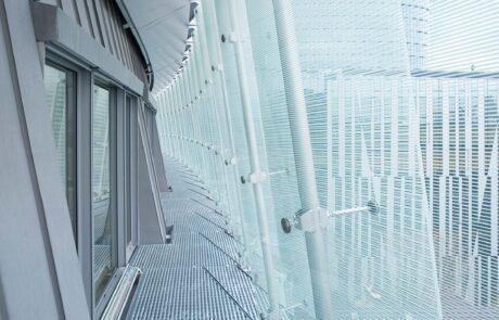 Spider e rotoule: giunti a ragno per vetrate Colcom