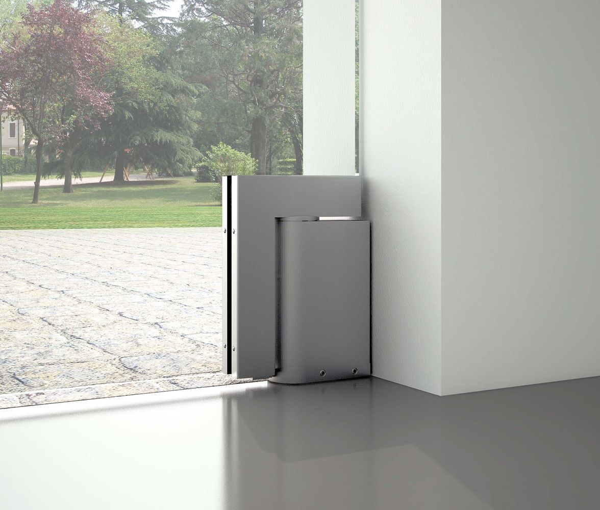Triloba hydraulic door closer for external doors