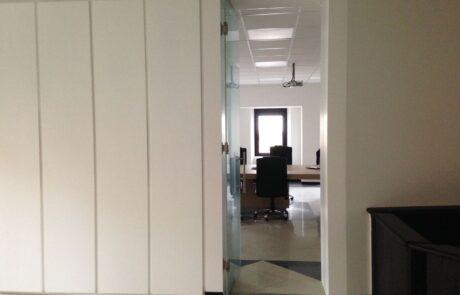 Biloba oleodynamic hinge for internal glass doors